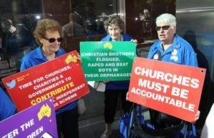Papà di uno dei bambini molestati dal cardinale Pell, chiede risarcimento a chiesa e prelato