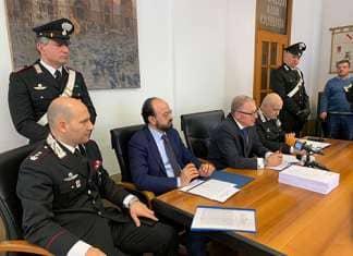 Operazione dei Carabinieri di Salerno blocca immigrazione clandestina. Ivestigazioni aziendali in atto